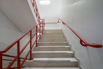 A lépcsőházi világítás fontosságáról