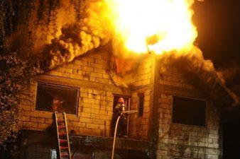 A tűzvédelem fontossága a társasházakban és intézményekben