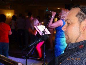 Ha esküvői zenekart keres, adunk egy tippet!