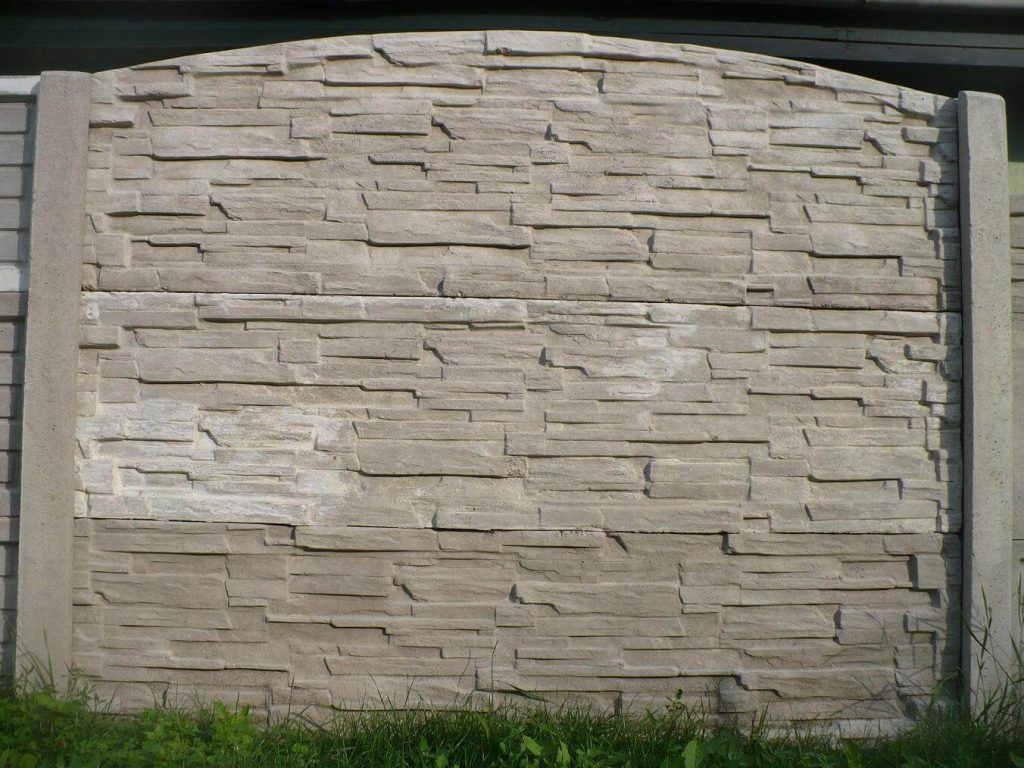 Mediterrán betonkerítés: varázsoljon impozáns látványt otthona körül!